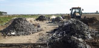 Hałdy śmieci w Osowej Sieni