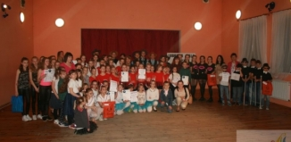 Magic 5 ze Wschowy oraz Zespół Pieśni i Tańca z Krzepielowa w wojewódzkim finale