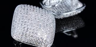 Elegancja i szyk na co dzień, czyli o biżuterii Swarovski