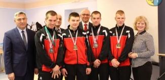Sportowcy SOSW we Wschowie na sesji Rady Powiatu Wschowskiego