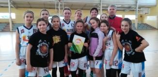 Zmagania  młodych koszykarek z SP1 Wschowa