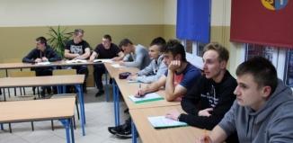 Trwa kurs - kierowca wózków widłowych dla uczniów I ZS oraz SOSW