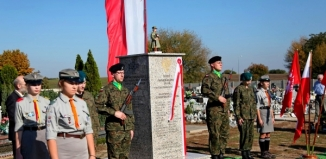 Odsłonięto obelisk ku pamięci działaczy niepodległościowych