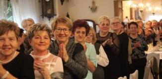 Lucyna Omieczyńska: Cieszcie się państwo miłością najbliższych, ich szczęściem i osiągnięciami. Nowy rok w UTW
