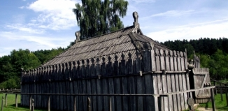 Świątynia z rogów dzikich zwierząt, czyli co archeologia wie o pogaństwie Słowian sprzed tysiąclecia?