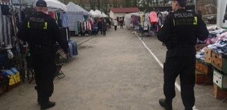 Policja apeluje o rozwagę w trakcie zakupów i wyjazdów świątecznych