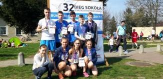 Sukcesy biegaczy z Gimnazjum nr 2 w XXXII Biegu Sokoła