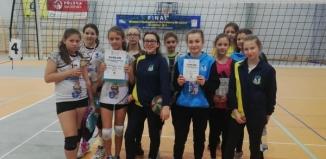 Młode siatkarki Zahir Wschowa rozgrywają się przed mistrzostwami województwa lubuskiego