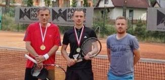 Wojciech Sitarz wygrywa pierwszy w tym roku Turniej Powiatowy w tenisie ziemnym