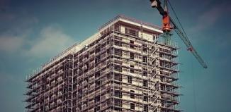 Bezpieczna praca na budowie – zdrowie jest najważniejsze
