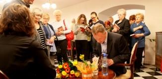 Piotr Bojarski: Marzy mi się książka osadzona we Wschowie - pełna relacja
