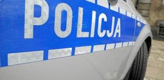 Zderzenie czołowe osobówki z samochodem ciężarowym. Kobieta przetransportowana do szpitala w Lesznie