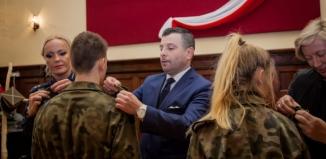 Nadanie awansów uczniom klas mundurowych