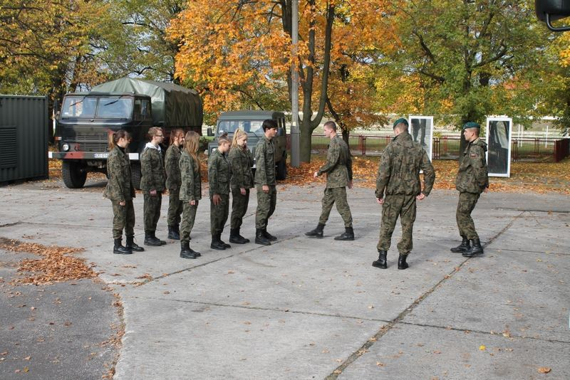Ćwiczenia klas mundurowych